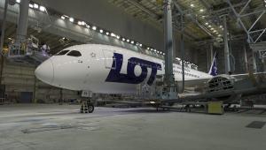 Boeing 787 Dreamliner w barwach PLL LOT (1)