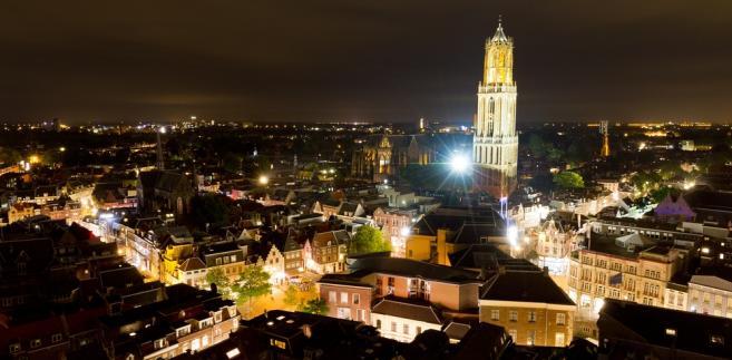 Utrecht nocą - widok na katedrę