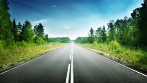 Zgodnie z przyjętymi zmianami gminy i powiaty, które w tym roku będą starały się o środki na budowę lokalnych jezdni, będą mogły w ramach jednego wniosku wyremontować nawet trzy odcinki.