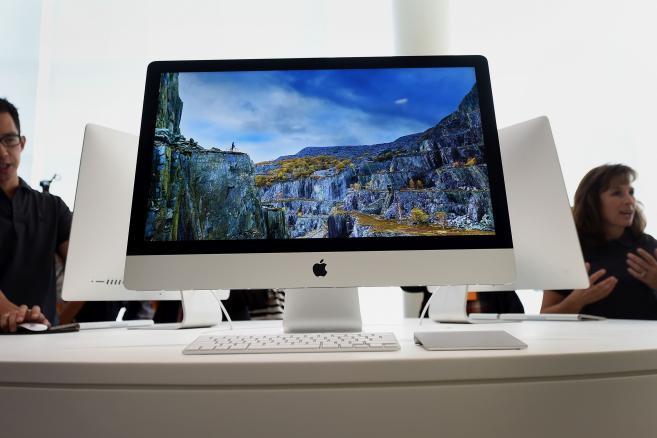 27-calowy komputer iMac firmy Apple Inc z wyświetlaczem 5K Retina <br><br> Fotograf: Noah Berger / Bloomberg