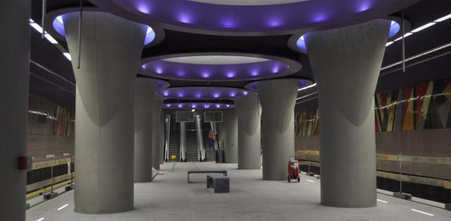 Stacja C12 Nowy Świat - Uniwersytet: