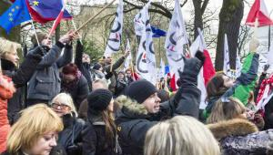 Demonstracje KOD przed siedzibą TK, fot. Jacek_Kadaj / Shutterstock.com