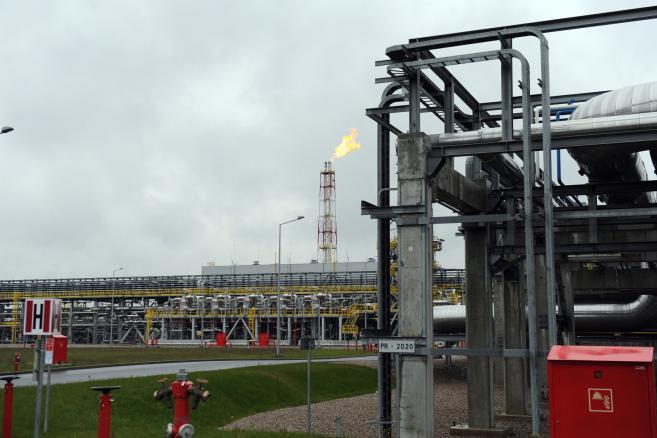 Terminal LNG w Świnoujściu fot. (zuz) PAP/Marcin Bielecki