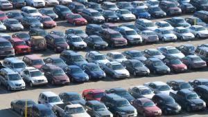 Rząd utrzymał prawo do odliczenia VAT od aut z kratką