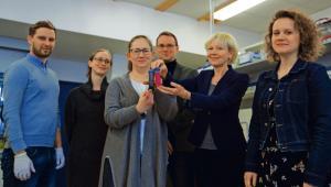 Naukowcy z SGGW: dr Sławomir Jaworski, dr Anna Hotowy, dr Marta Grodzik, dr Mateusz Wierzbicki, prof. Ewa Sawosz Chwalibóg, dr Marta Kutwin fot. Wojtek Górsk
