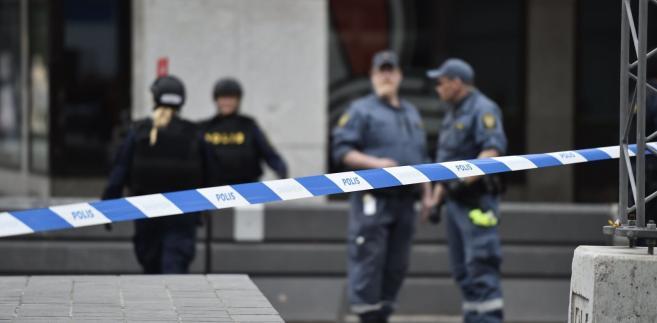 Policja na miejscu zdarzenia, centrum Sztokholmu