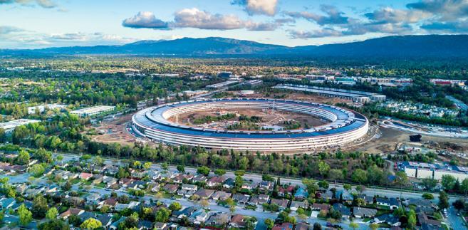Nowa siedziba koncernu Apple w Cupertino w stanie Kalifornia fot. Uladzik Kryhin /Shutterstock