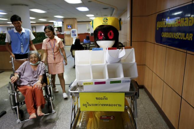 Mongkutwattana General Hospital Tajlandia – roboty w pracy