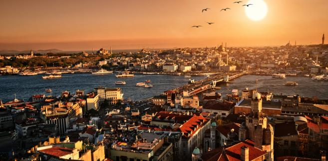 Zachód słońca w Stambule; autor: Vitaly Titov & Maria Sidelnikova