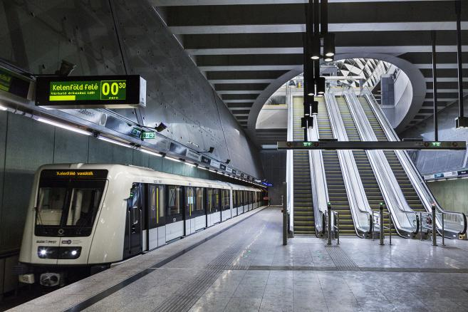 Stacja metra Bikas Park w Budapeszcie i nowy pociąg z Chorzowa. Fot. Alstom