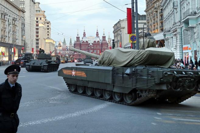 Nowy rosyjski czołg T-14 Armata. Przygotowania do obchodów Dnia Zwycięstwa w Moskwie. W tym roku mija 70. rocznica kapitulacji nazistowskich Niemiec. EPA / YURI Kochetkov