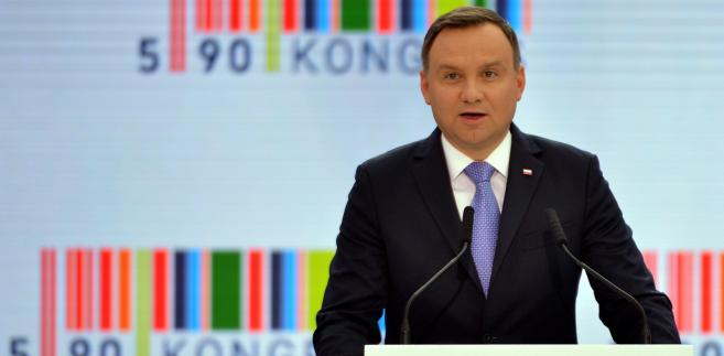 Prezydent Andrzej Duda uczestniczy w Kongresie 590 w podrzeszowskiej Jasionce