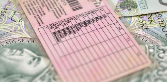 Prawo jazdy i pieniądze