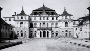 Pałac Bruehla. Rok 1939. Źródło: Henryk Poddębski, Domena publiczna, https://commons.wikimedia.org/w/index.php?curid=2679937